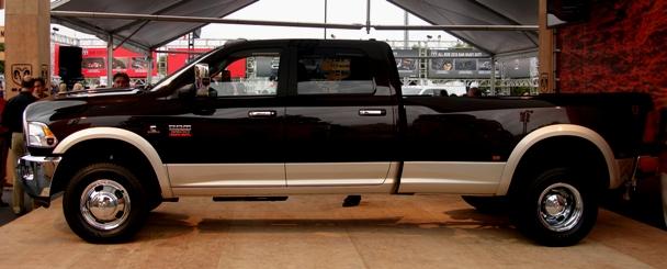 Dodge Ram 3500 Heavy Duty w/ Cummins Turbo Diesel