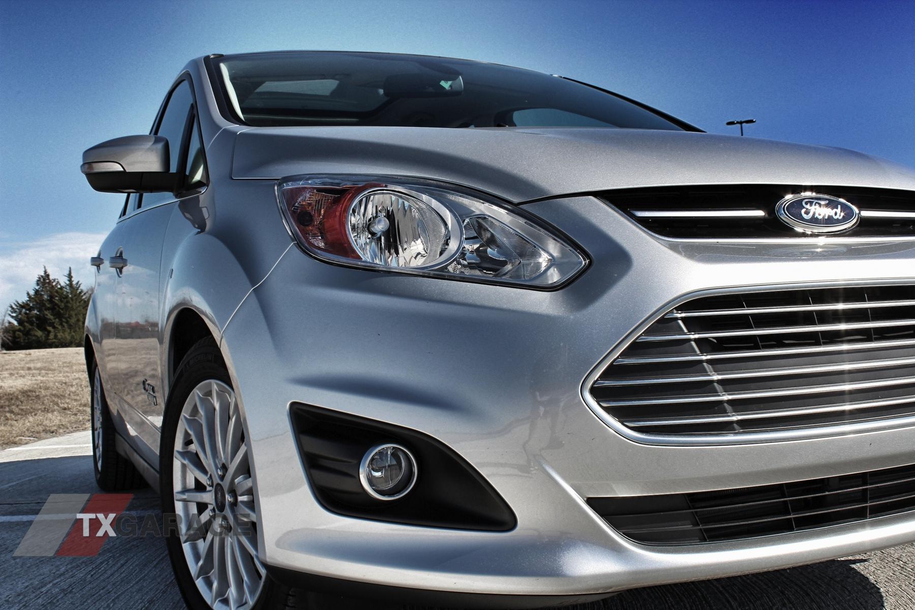 2013-Ford-C-Max-Energi-05