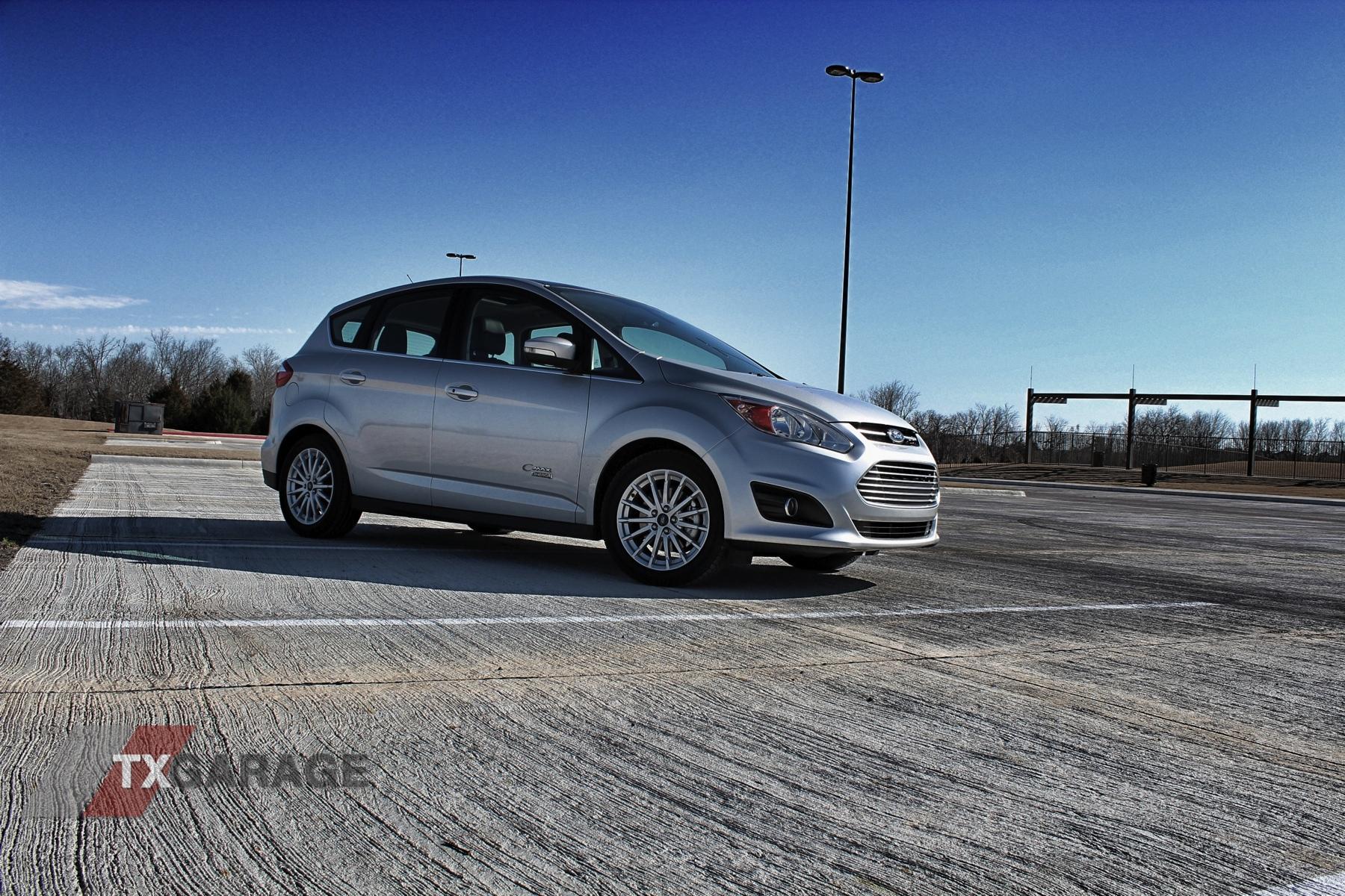 2013-Ford-C-Max-Energi-07