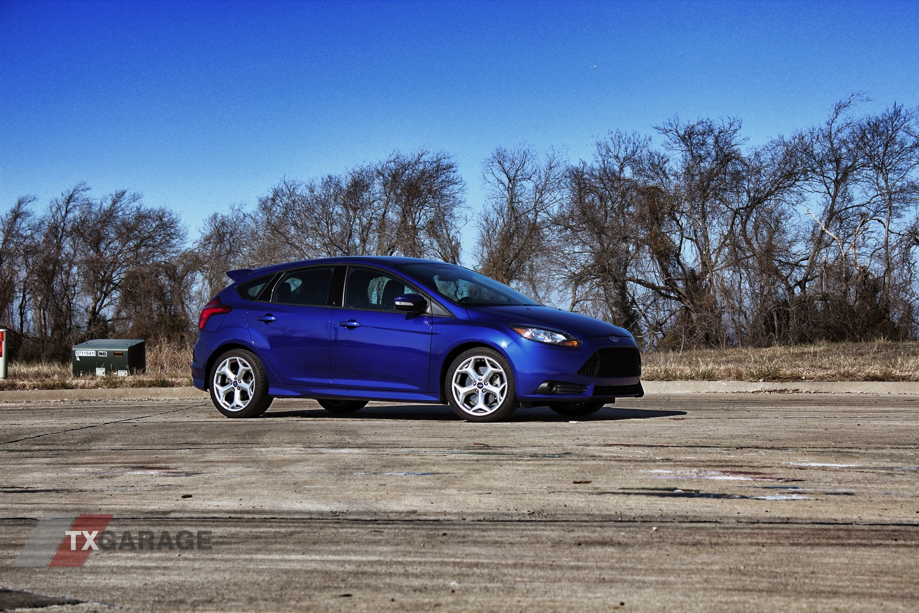 2013-Ford-Focus-ST-01