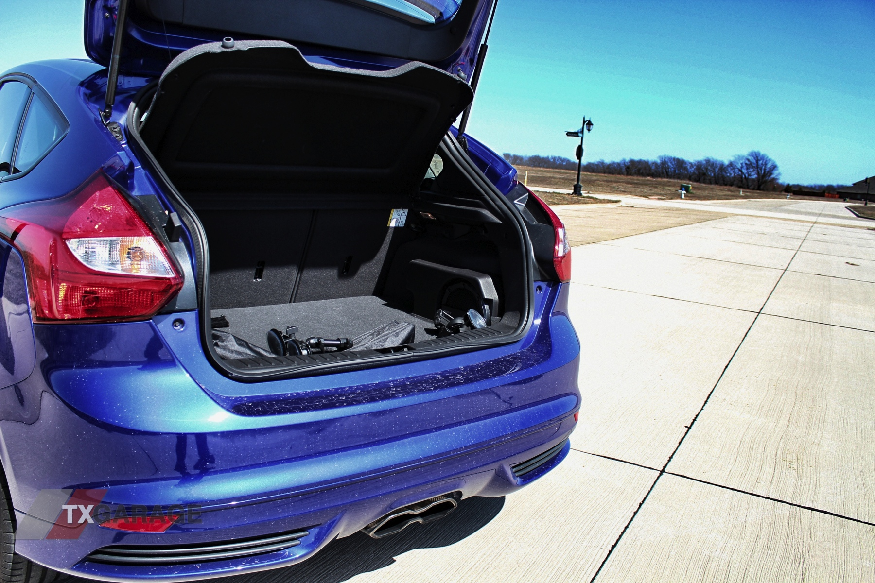 2013-Ford-Focus-ST-036