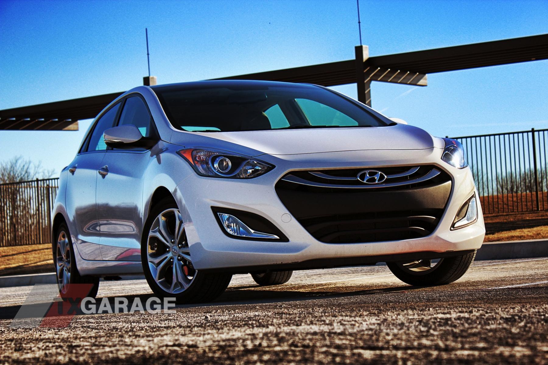 2013-Hyundai-Elantra-GT-016
