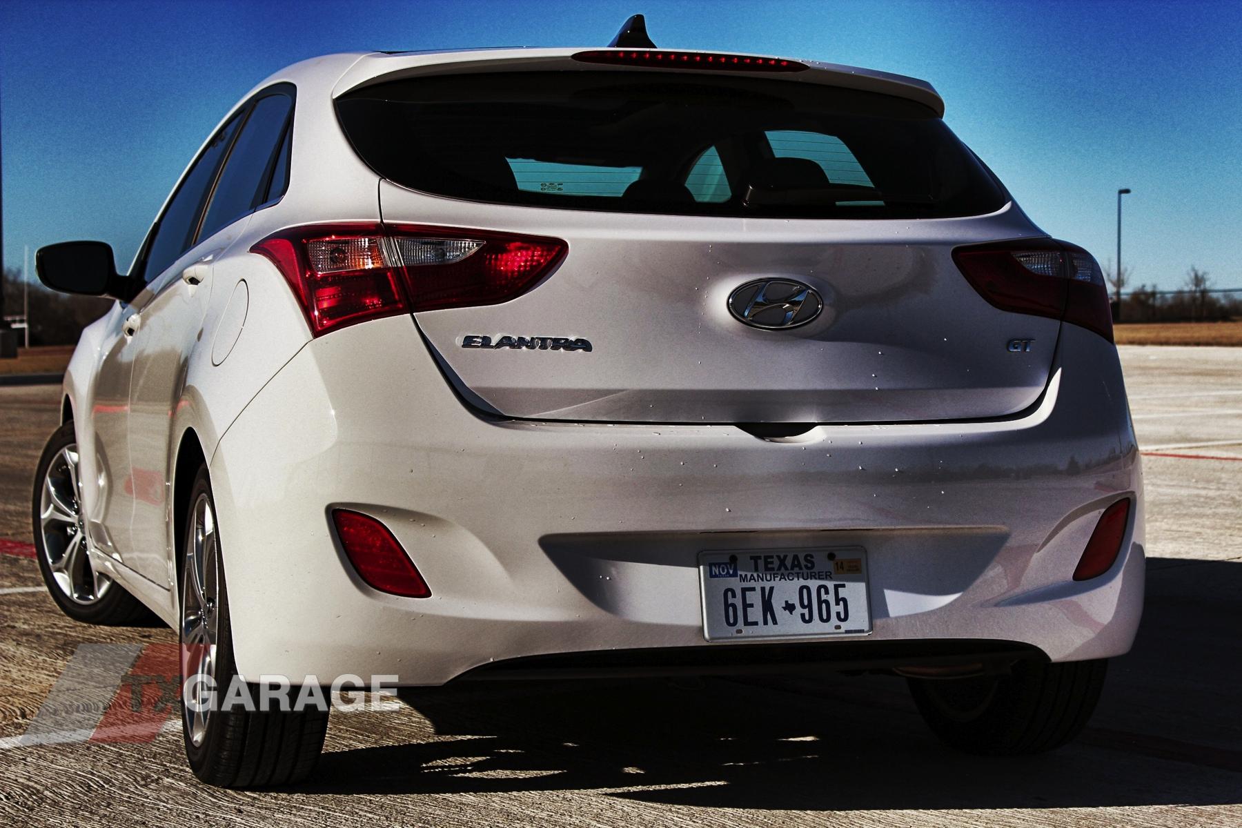 2013-Hyundai-Elantra-GT-023