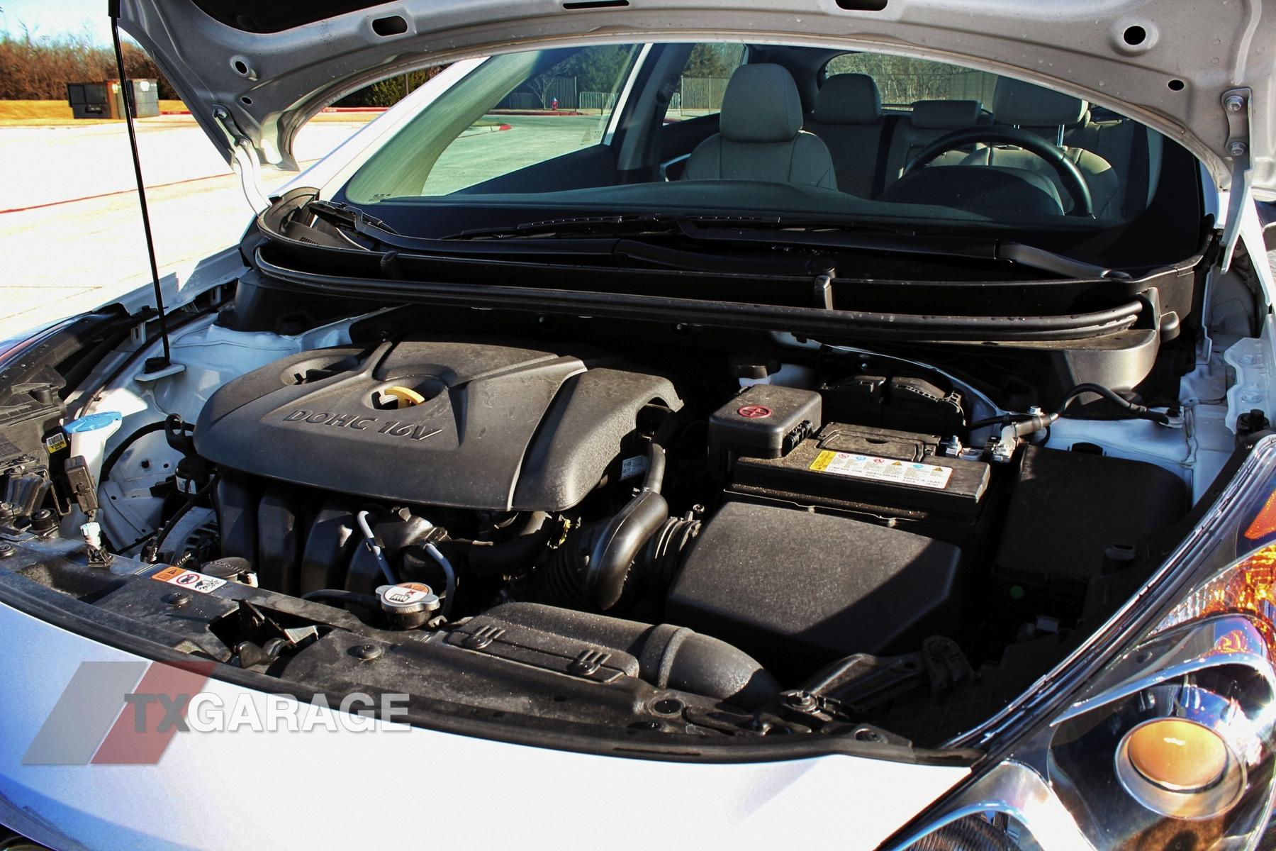 2013-Hyundai-Elantra-GT-046