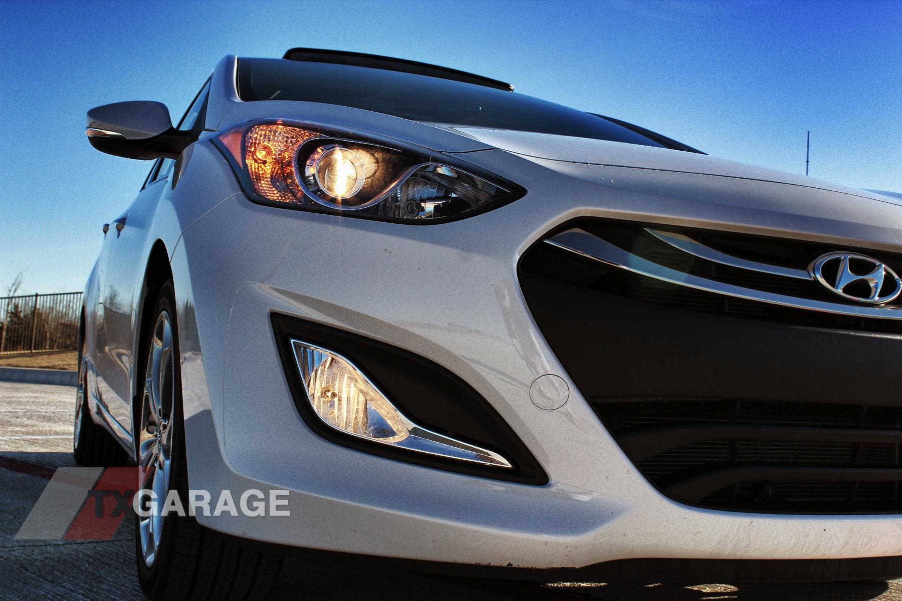 2013-Hyundai-Elantra-GT-053
