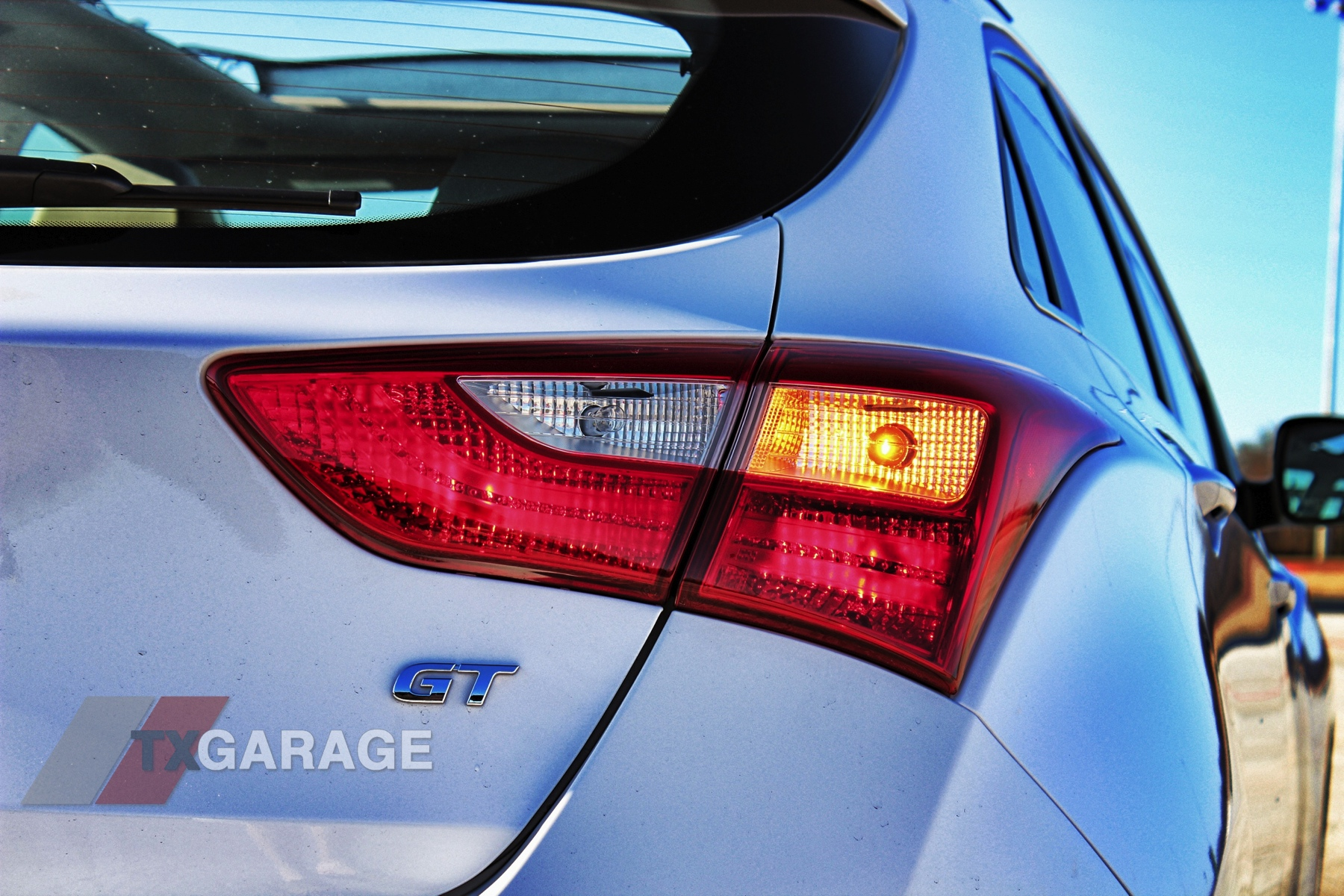 2013-Hyundai-Elantra-GT-058