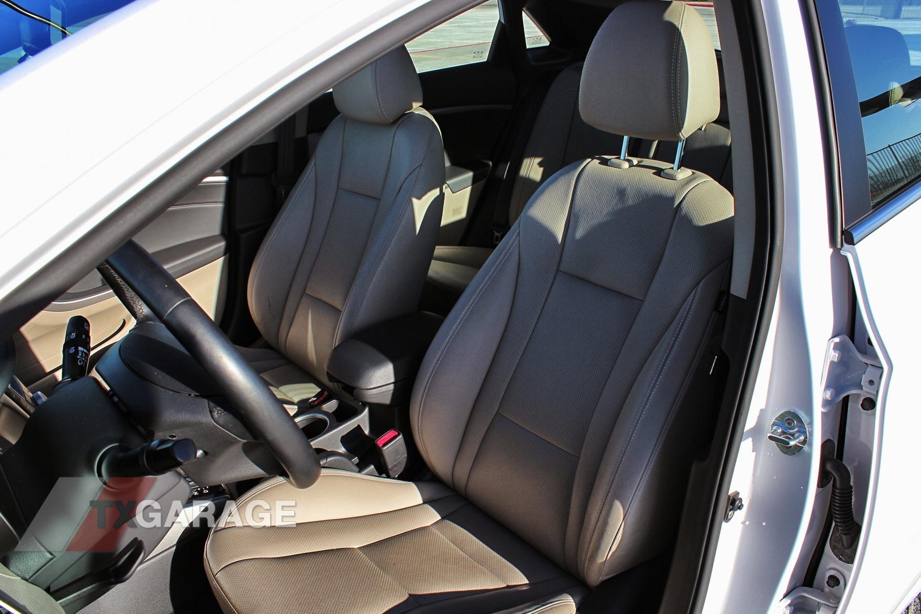 2013-Hyundai-Elantra-GT-061