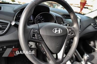 2013-Hyundai-Veloster-Turbo-33
