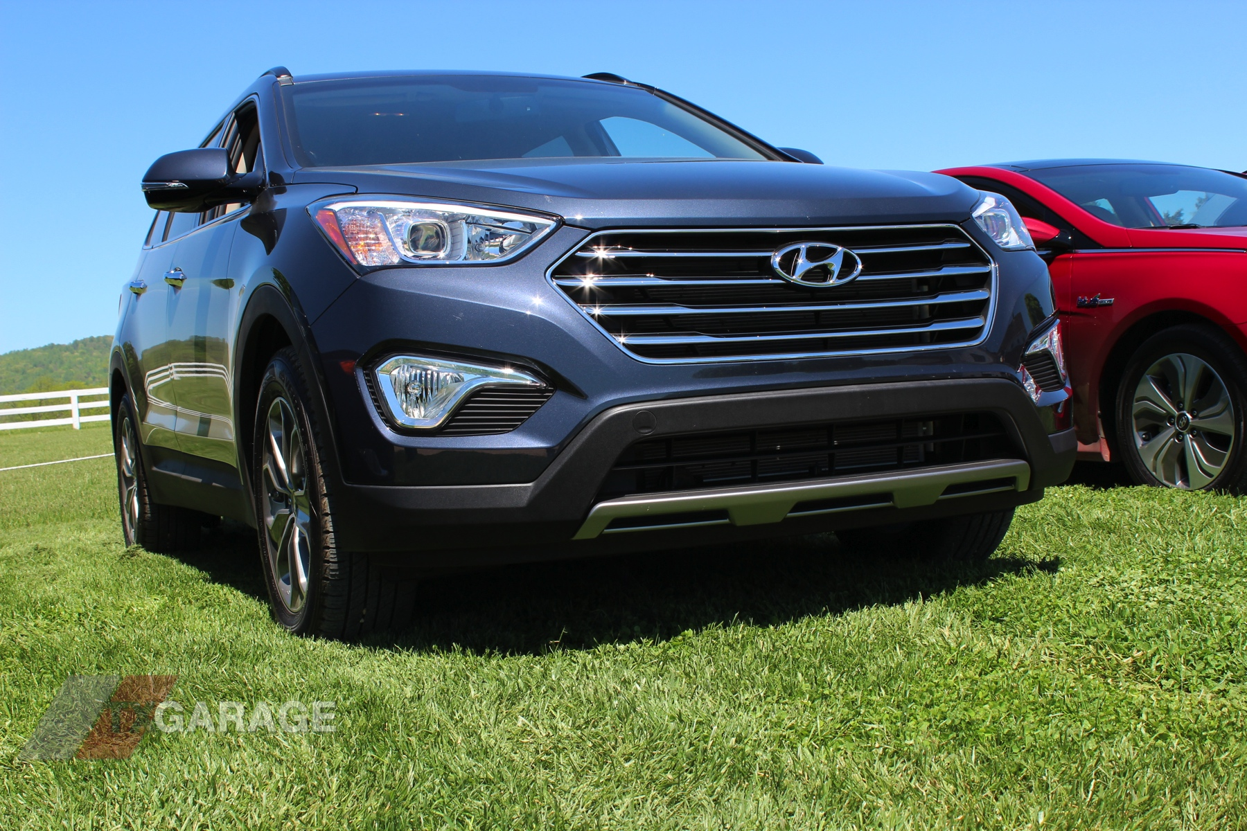quick drive review with the 2013 hyundai santa fe txgarage. Black Bedroom Furniture Sets. Home Design Ideas