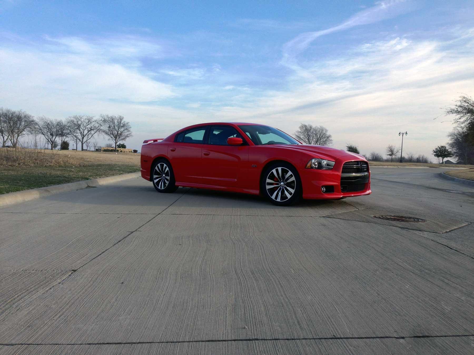 2014-Dodge-Charger-SRT-08