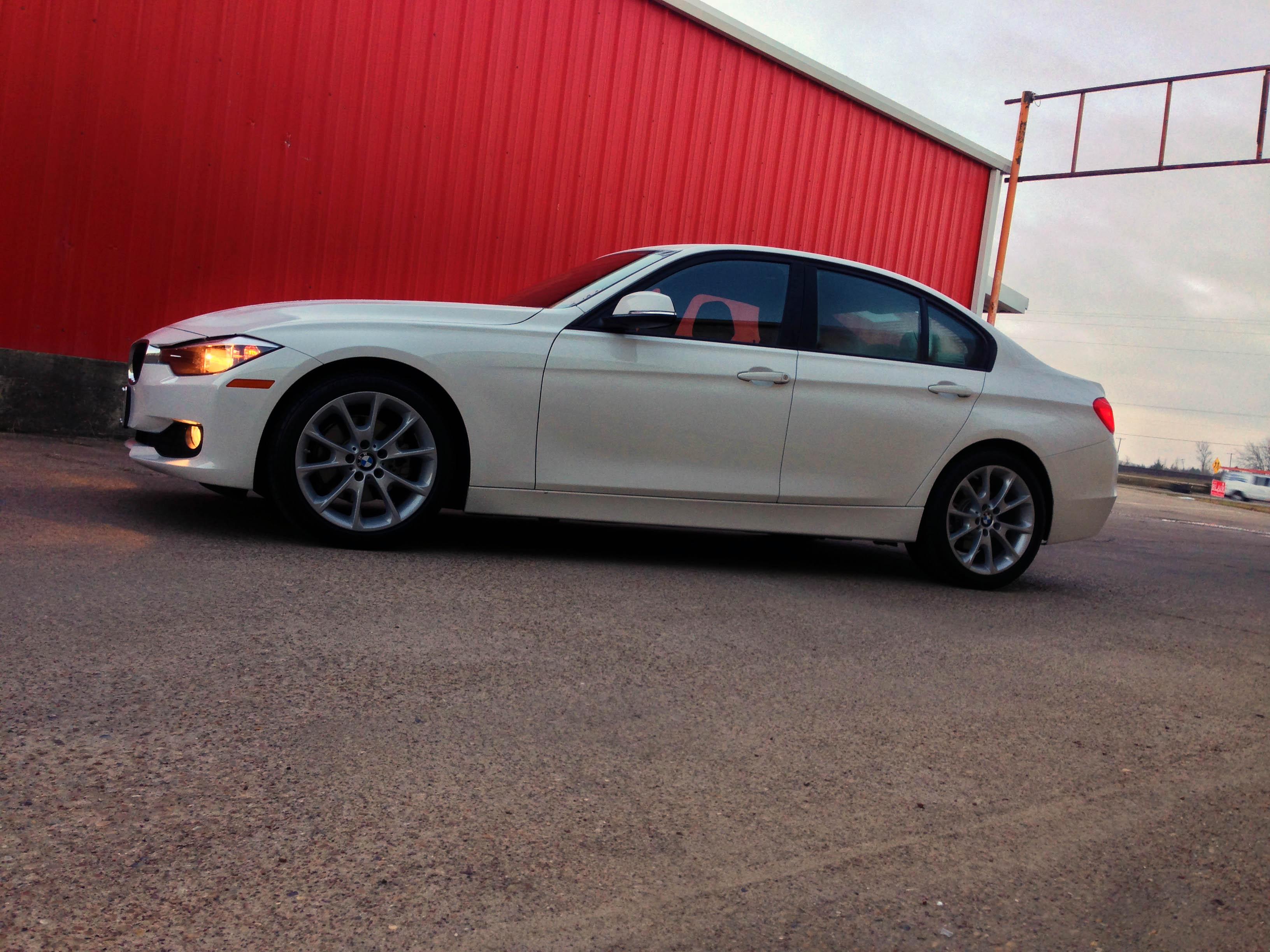 2014-BMW-320i-txgarage-007