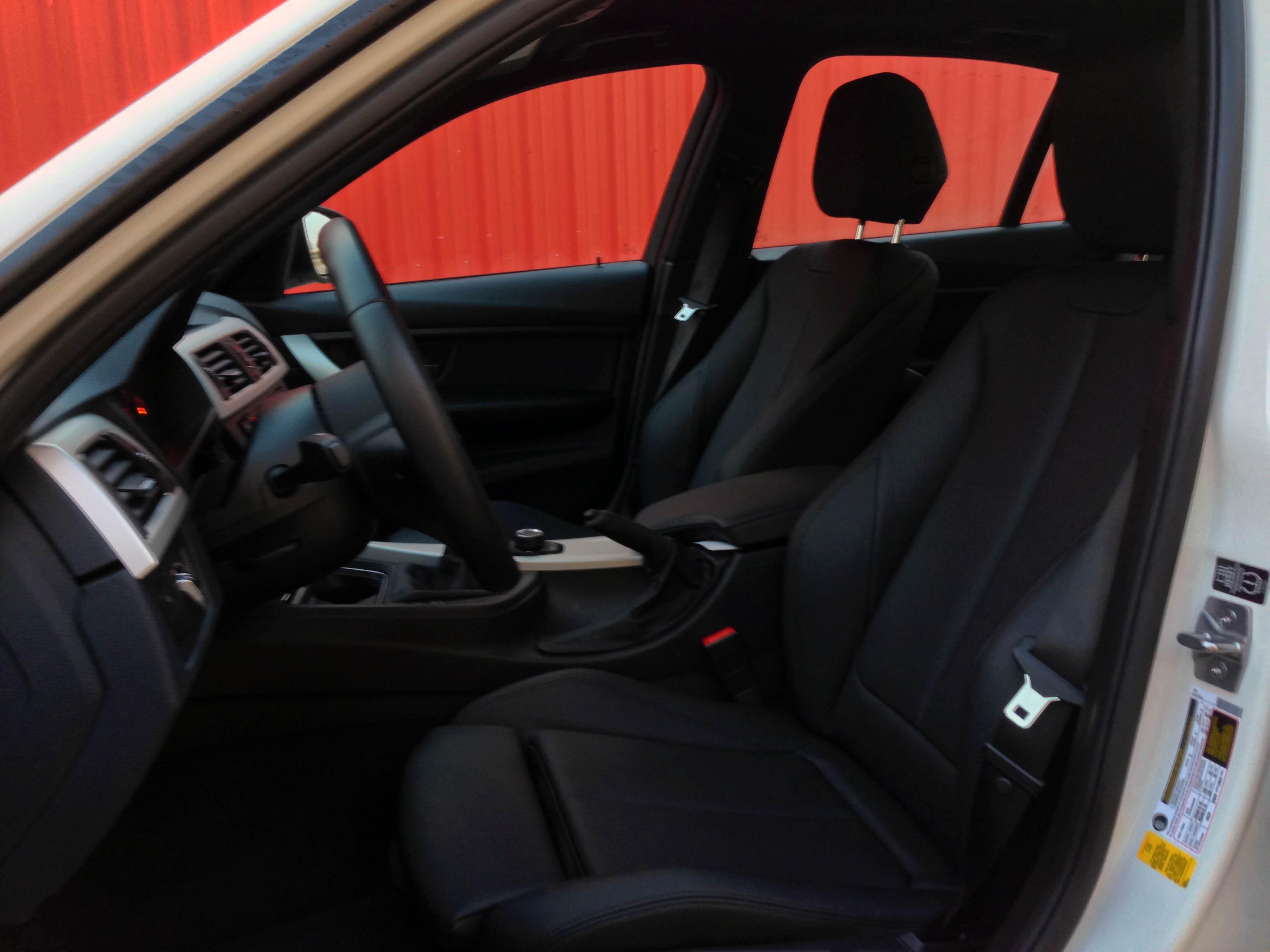 2014-BMW-320i-txgarage-018