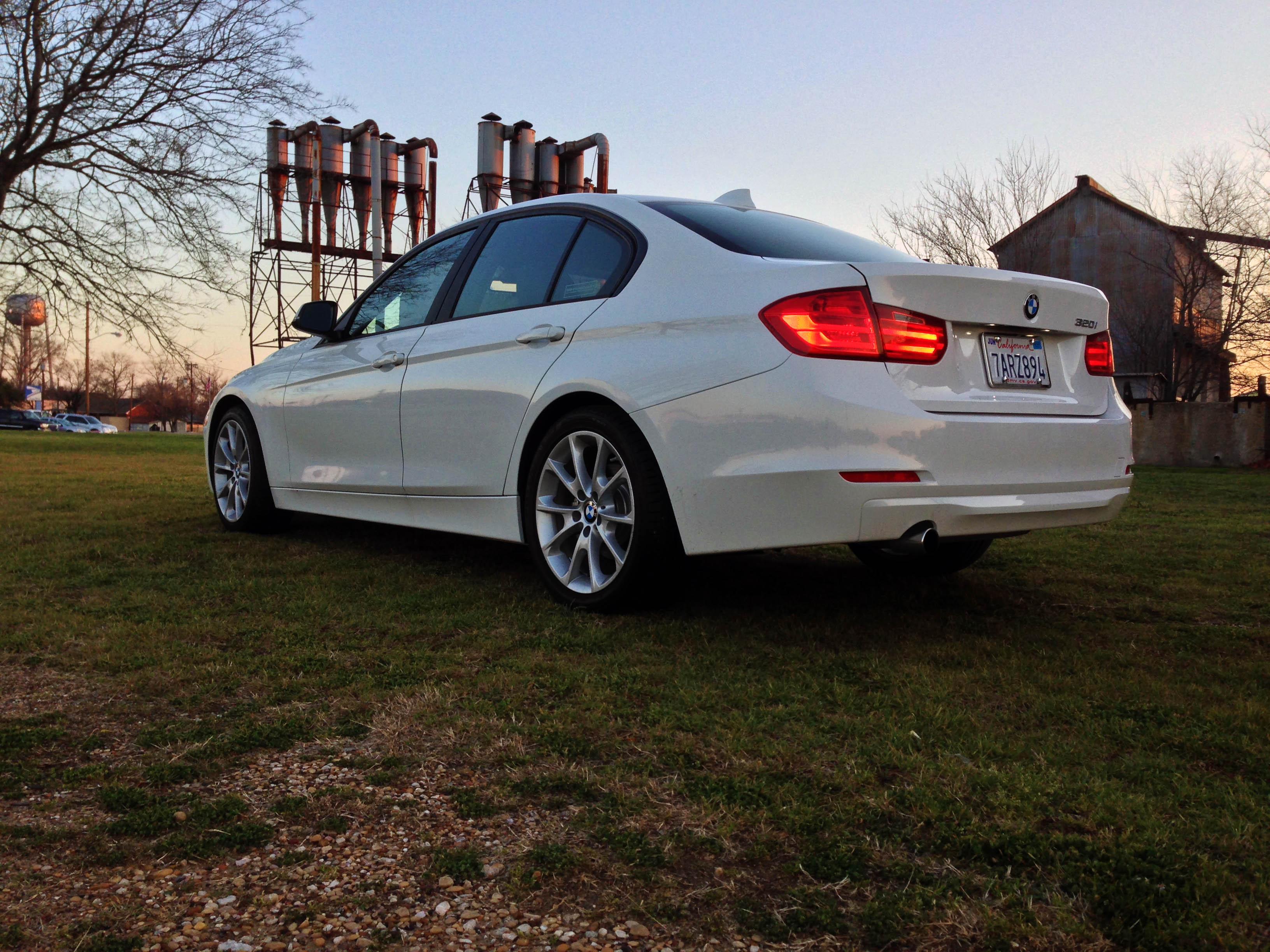 2014-BMW-320i-txgarage-026
