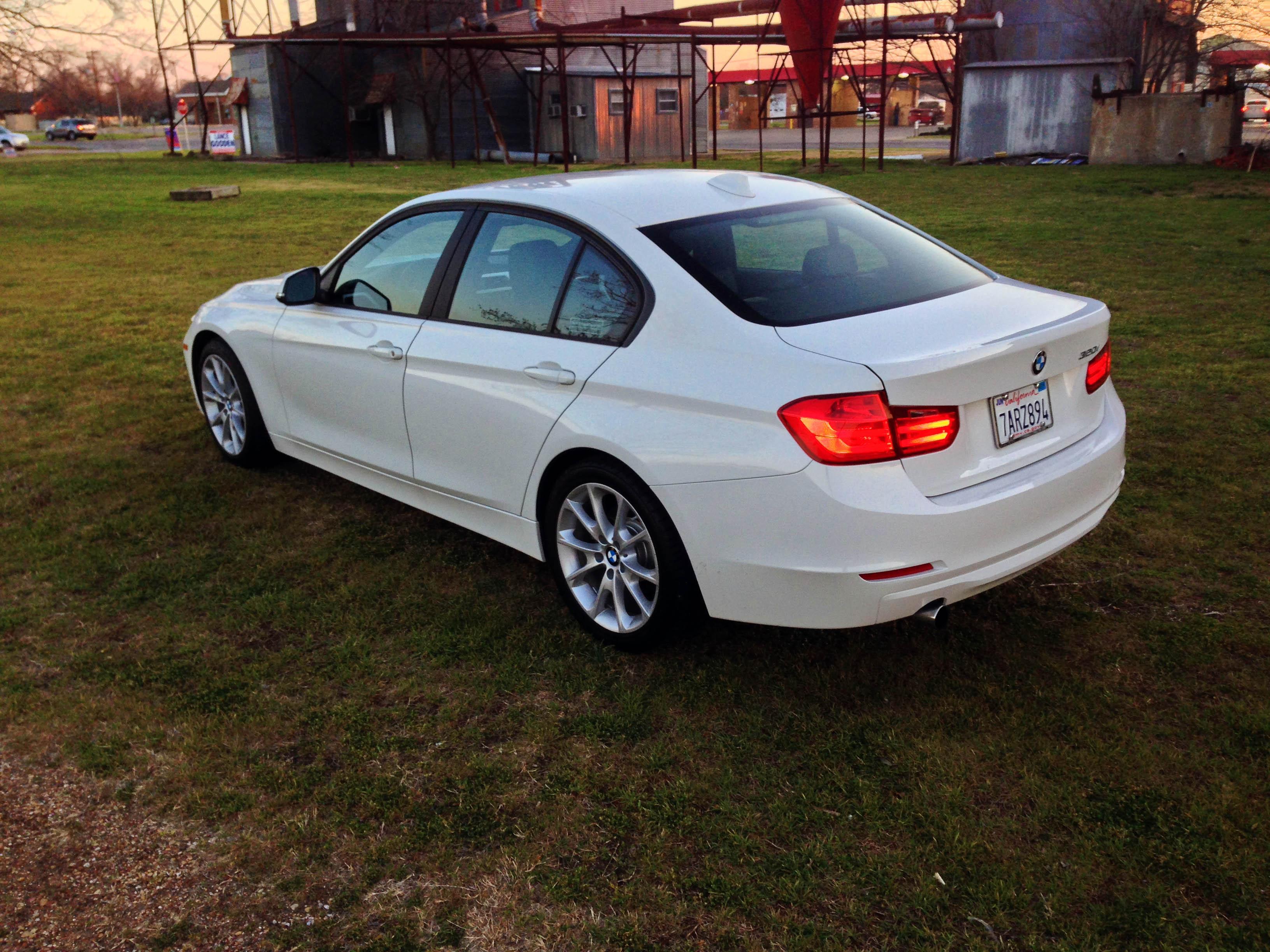 2014-BMW-320i-txgarage-027