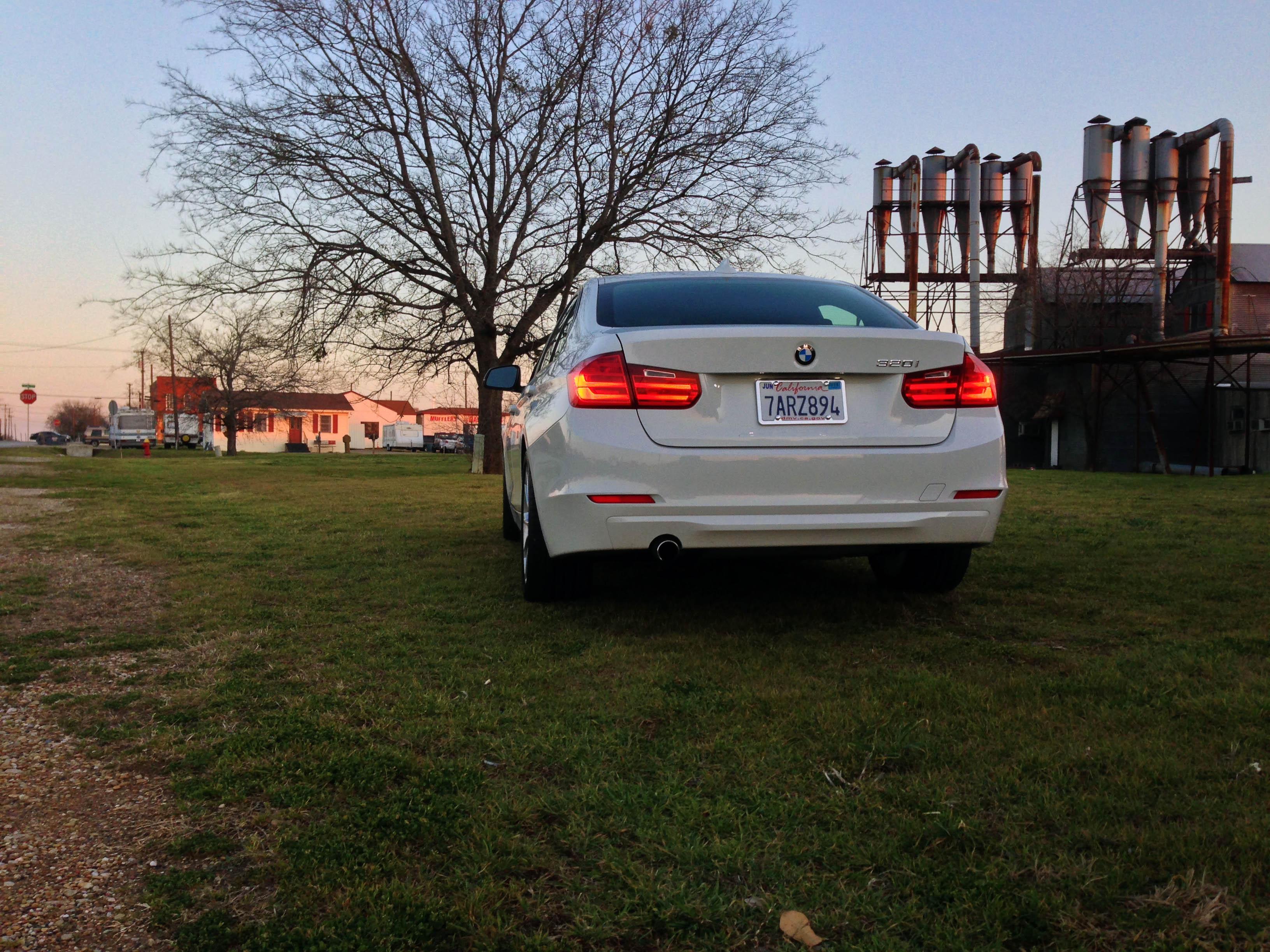 2014-BMW-320i-txgarage-028