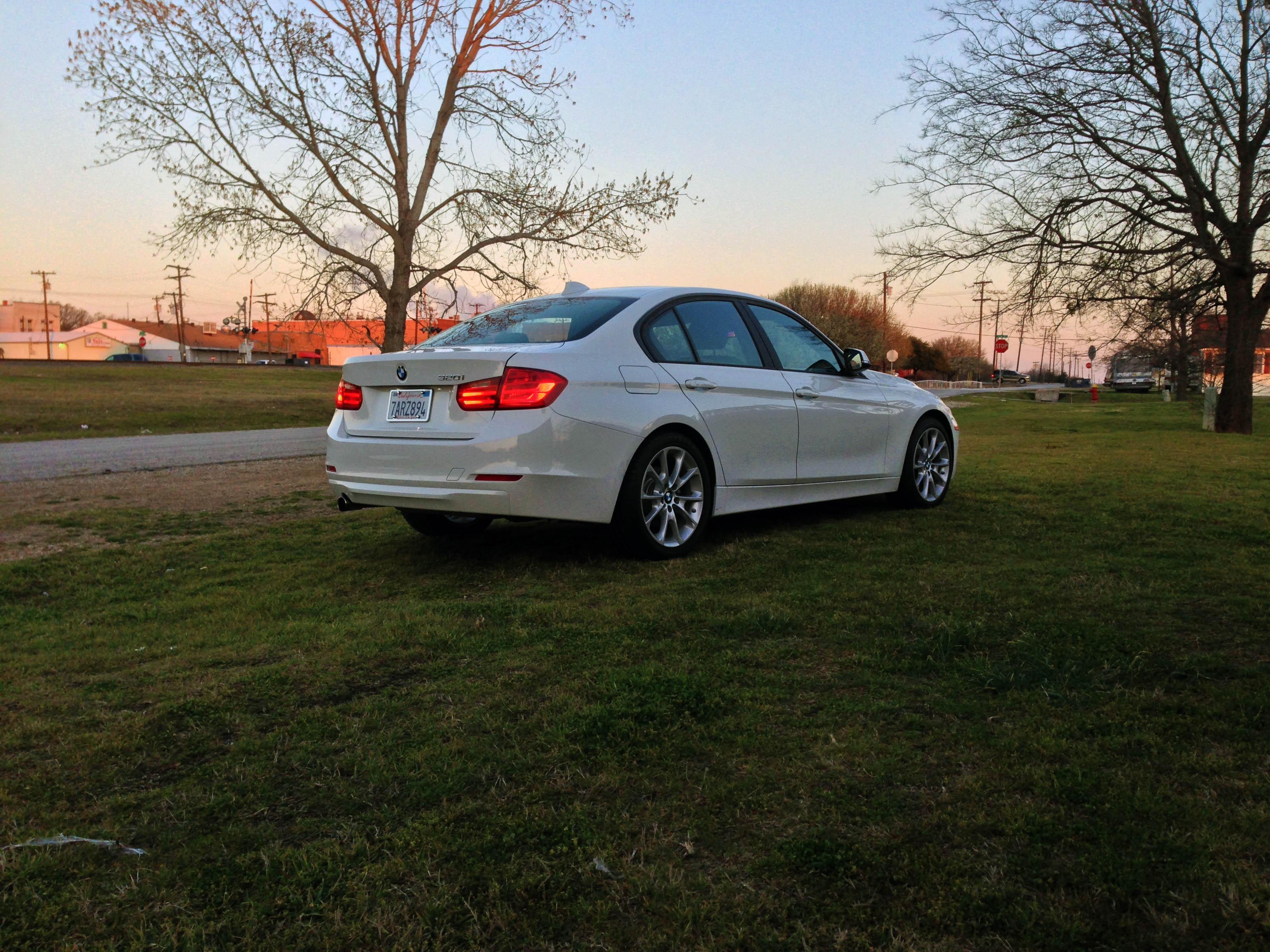 2014-BMW-320i-txgarage-030
