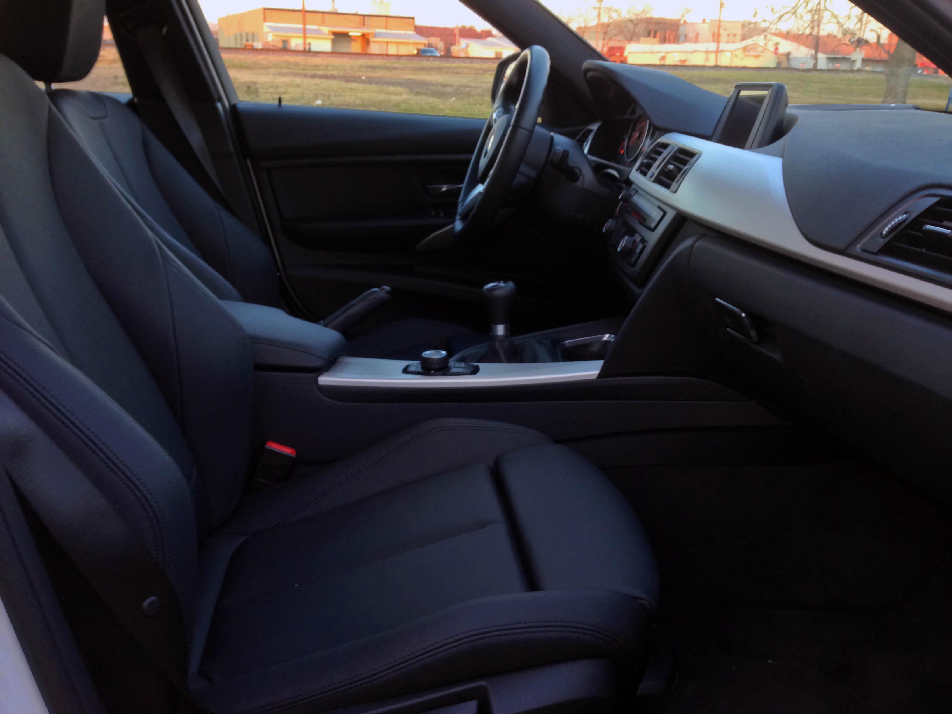 2014-BMW-320i-txgarage-034