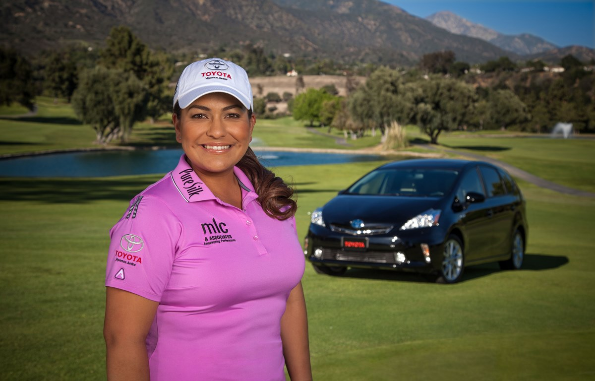 Pro Golfer Tees Off to Increase Toyota Gift to Hispanic Scholarship Fund