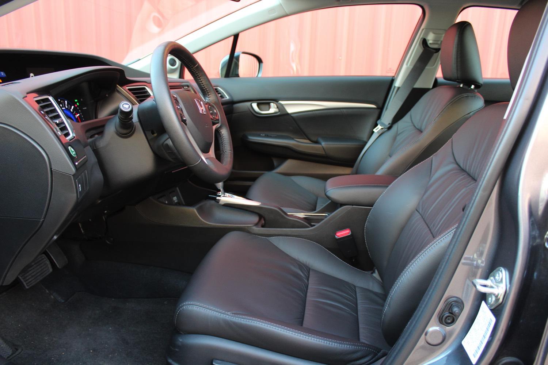 2015-Honda-Civic-Sedan-0011