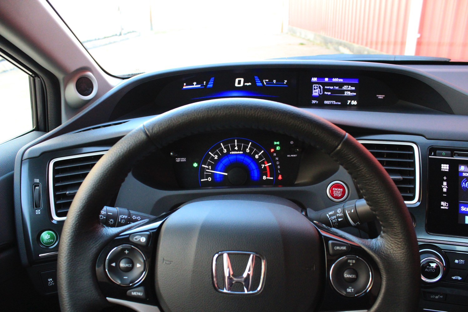 2015-Honda-Civic-Sedan-004