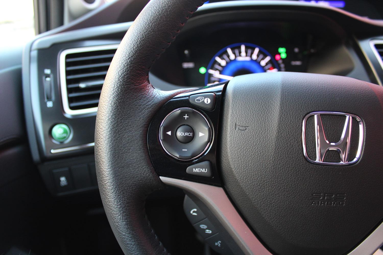2015-Honda-Civic-Sedan-007