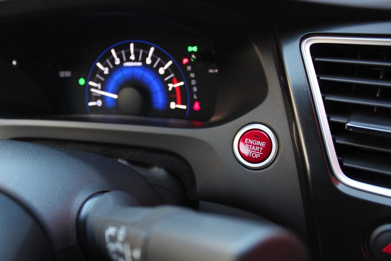 2015-Honda-Civic-Sedan-009