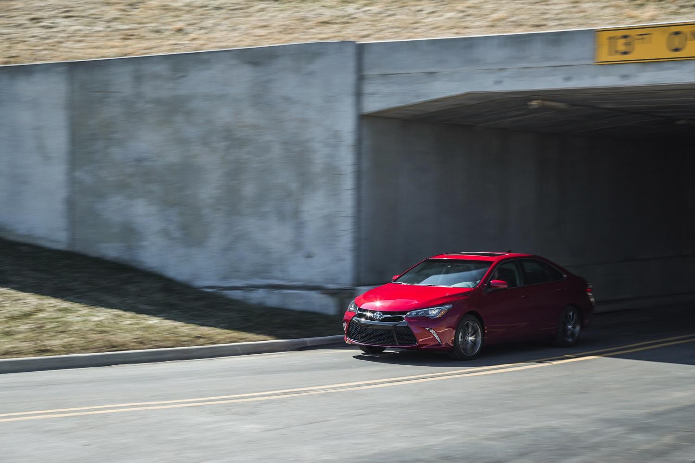 2015_Toyota_Camry_058