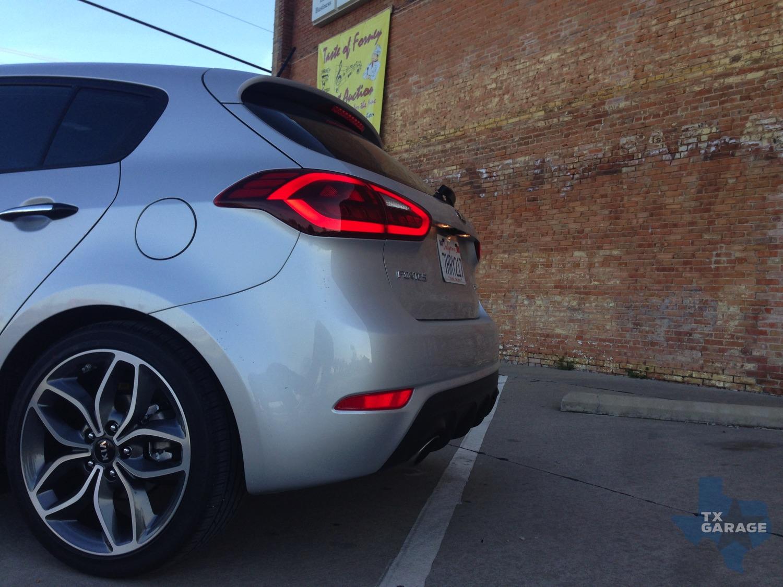2015-Kia-Forte-SX-Hatch-txGarage-016