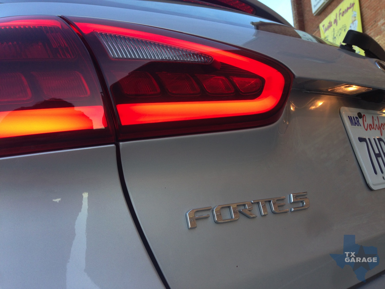 2015-Kia-Forte-SX-Hatch-txGarage-018