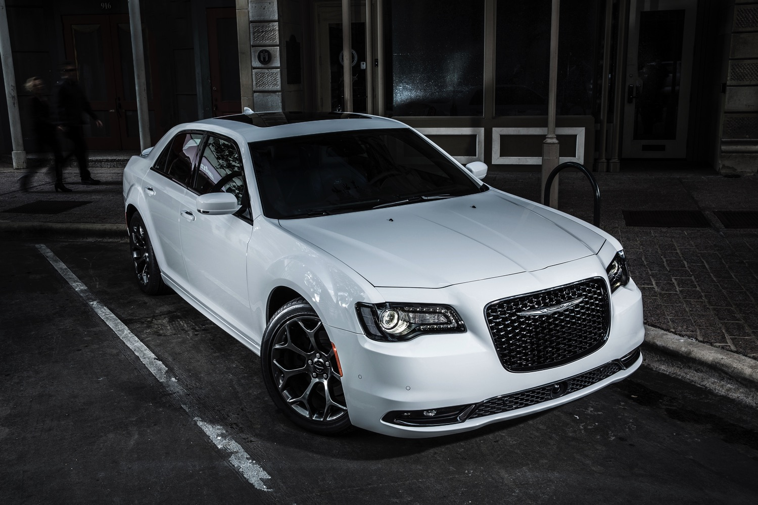 2015 Chrysler 300c 011 Txgarage