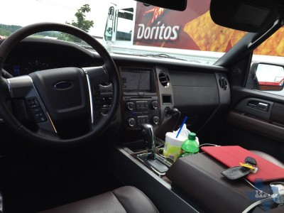 2015-Ford-Expedition-EL-Platinum-010