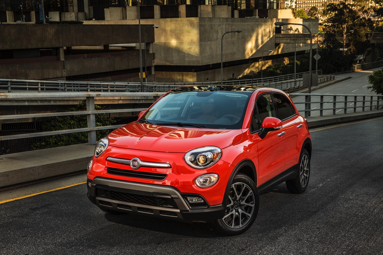 2016-Fiat-500x-010