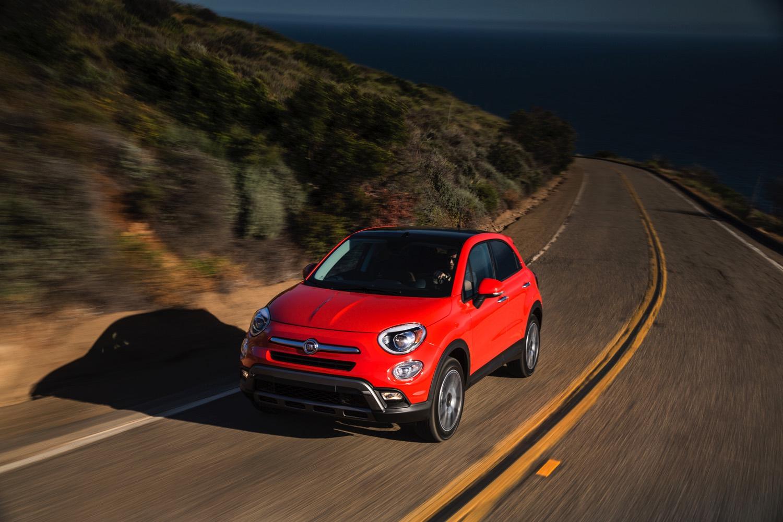 2016-Fiat-500x-014