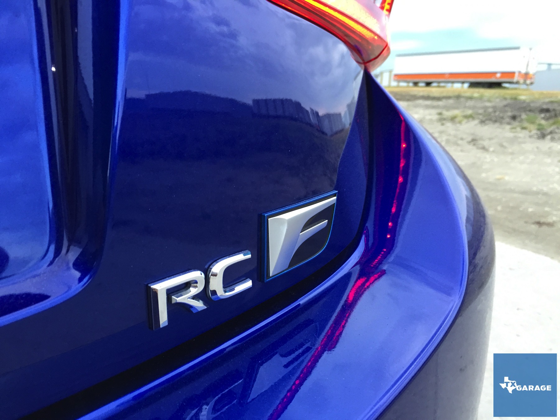 2015-Lexus-RC-F-txGarage-008