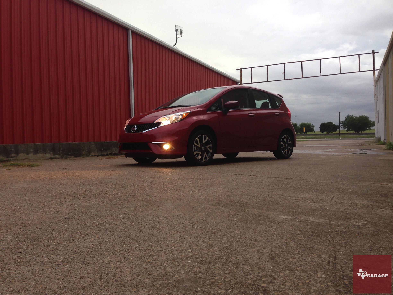 2015-Nissan-Versa-Note-013
