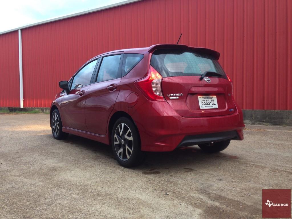 2015-Nissan-Versa-Note-015