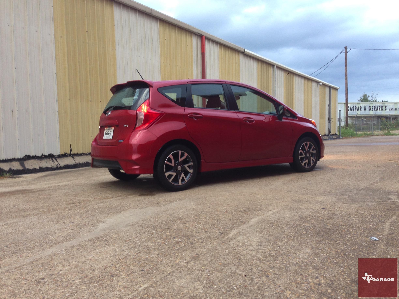 2015-Nissan-Versa-Note-020