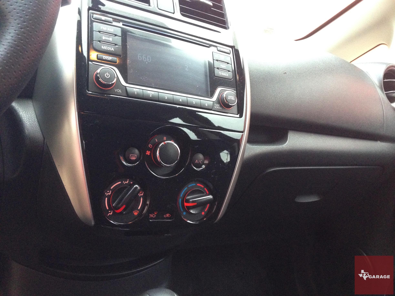 2015-Nissan-Versa-Note-030