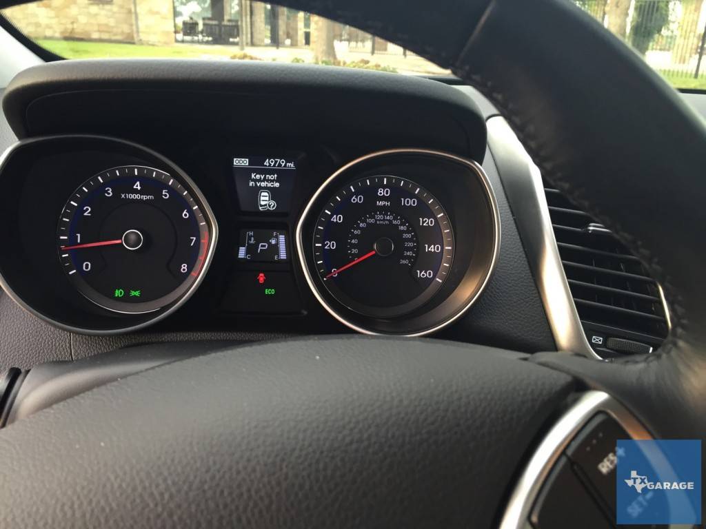 2016-Hyundai-Elantra-GT-042
