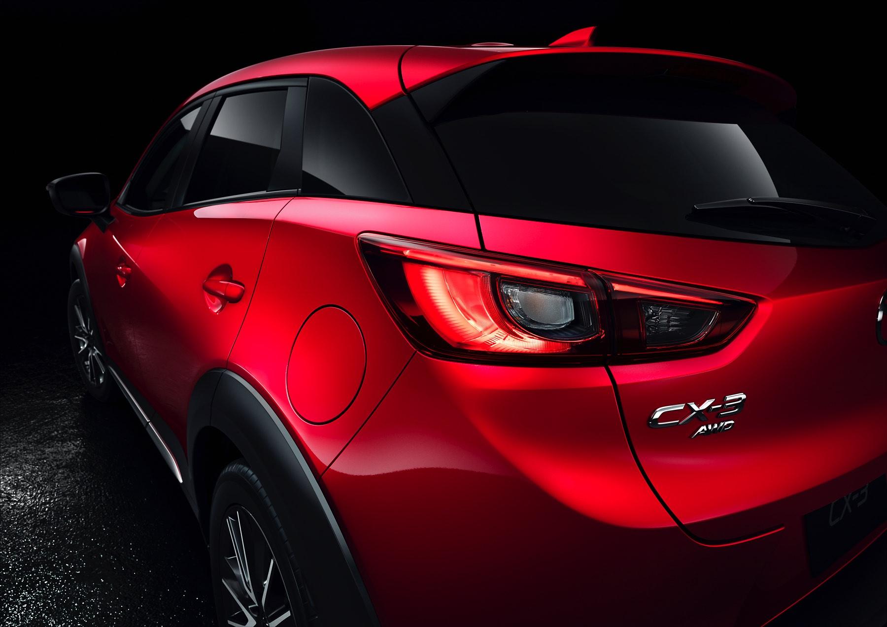 2016-Mazda-CX-3-010