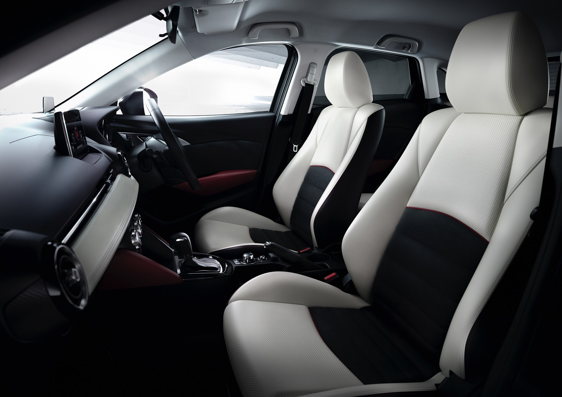 2016-Mazda-CX-3-012