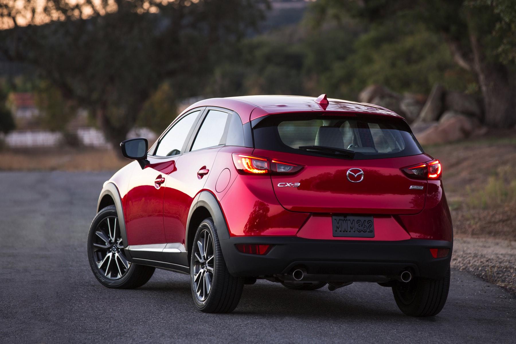 2016-Mazda-CX-3-018
