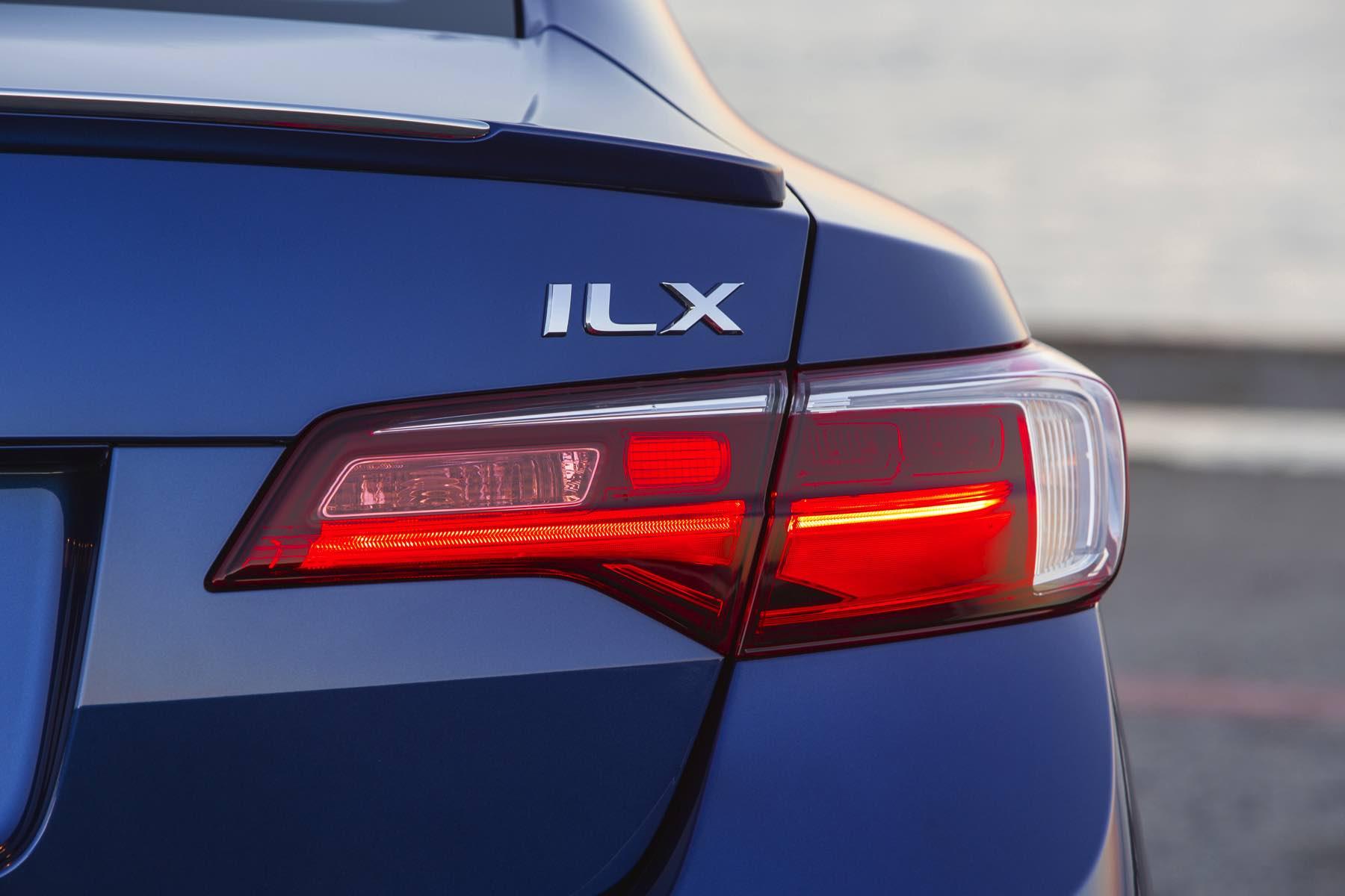 Acura-ILX-016