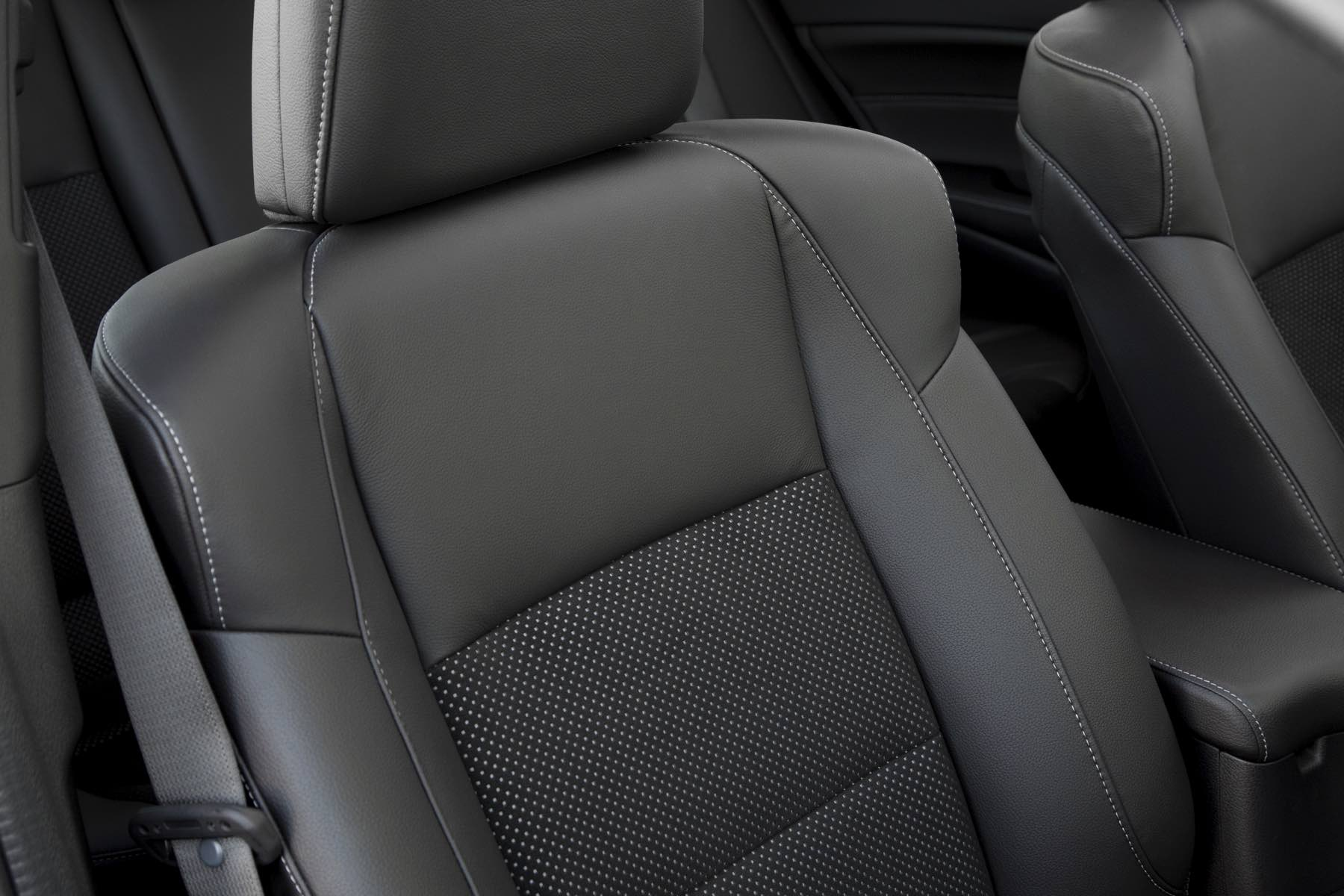Acura-ILX-035