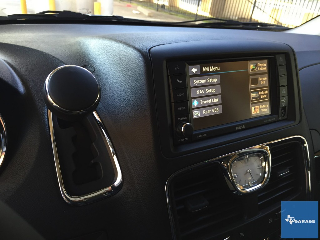 2015-Chrysler-Town-and-Country-txgarage-029