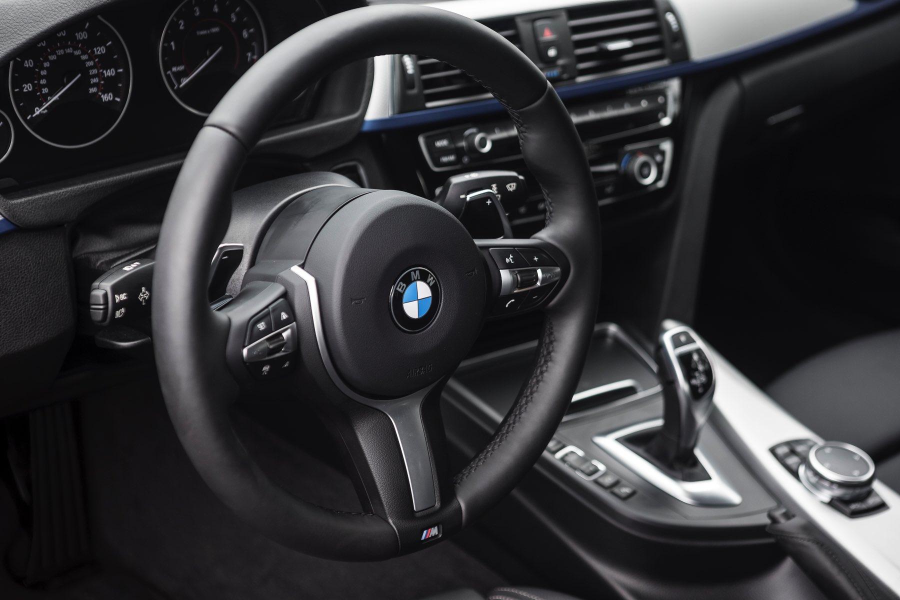 2016-BMW-340i-txGarage-003