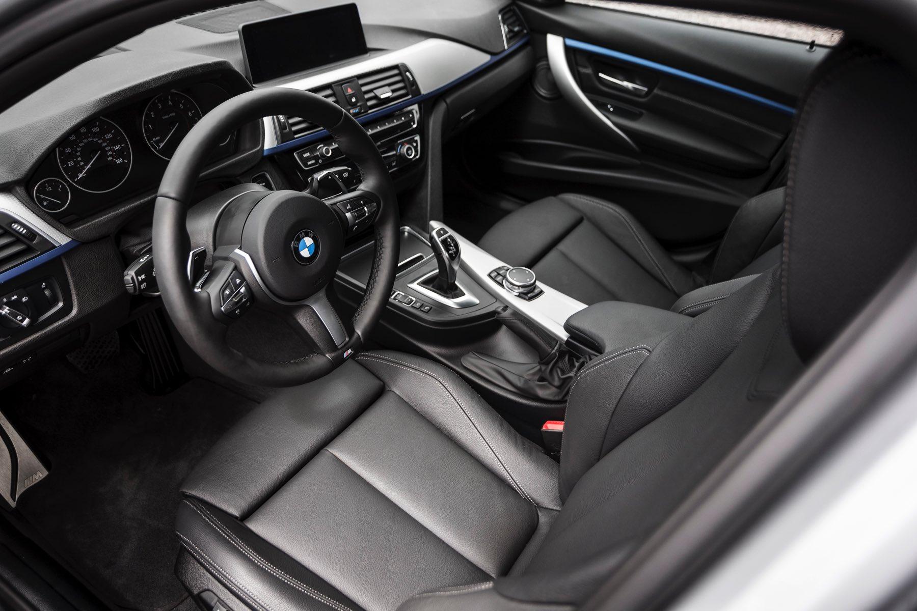2016-BMW-340i-txGarage-004