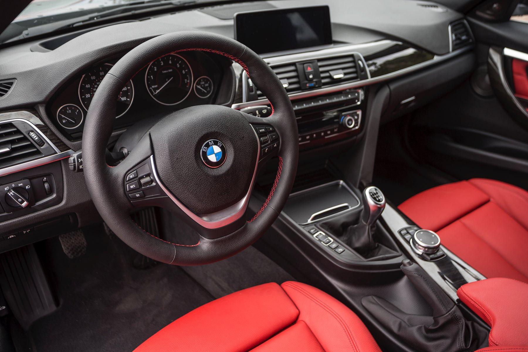 2016-BMW-340i-txGarage-014
