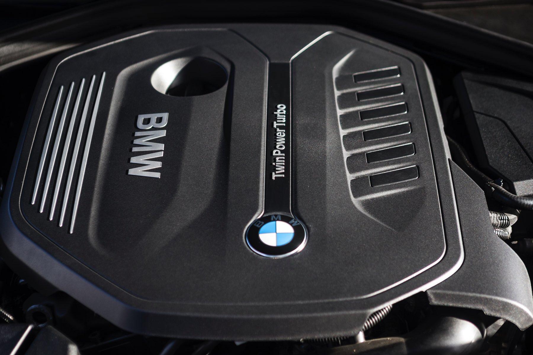 2016-BMW-340i-txGarage-020
