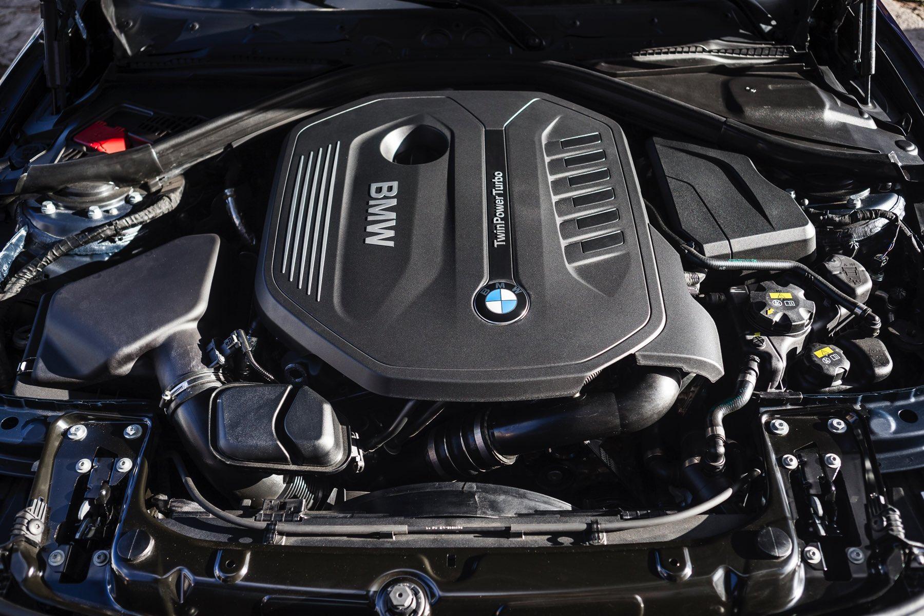 2016-BMW-340i-txGarage-021